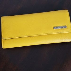Mustard wallet-  Kenneth Cole